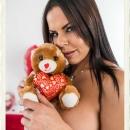 diamond-kitty-milfvr-valentines-teddy-bear