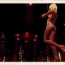 blonde-stripper-vr-paradise