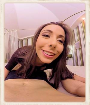 Carla Crouz pretty face