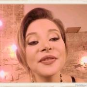 Anna Polina face in virtual reality