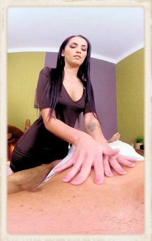 Loren Minardi gives massage