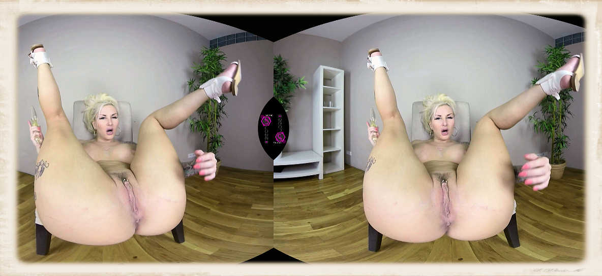 Jarushka Ross legs spread