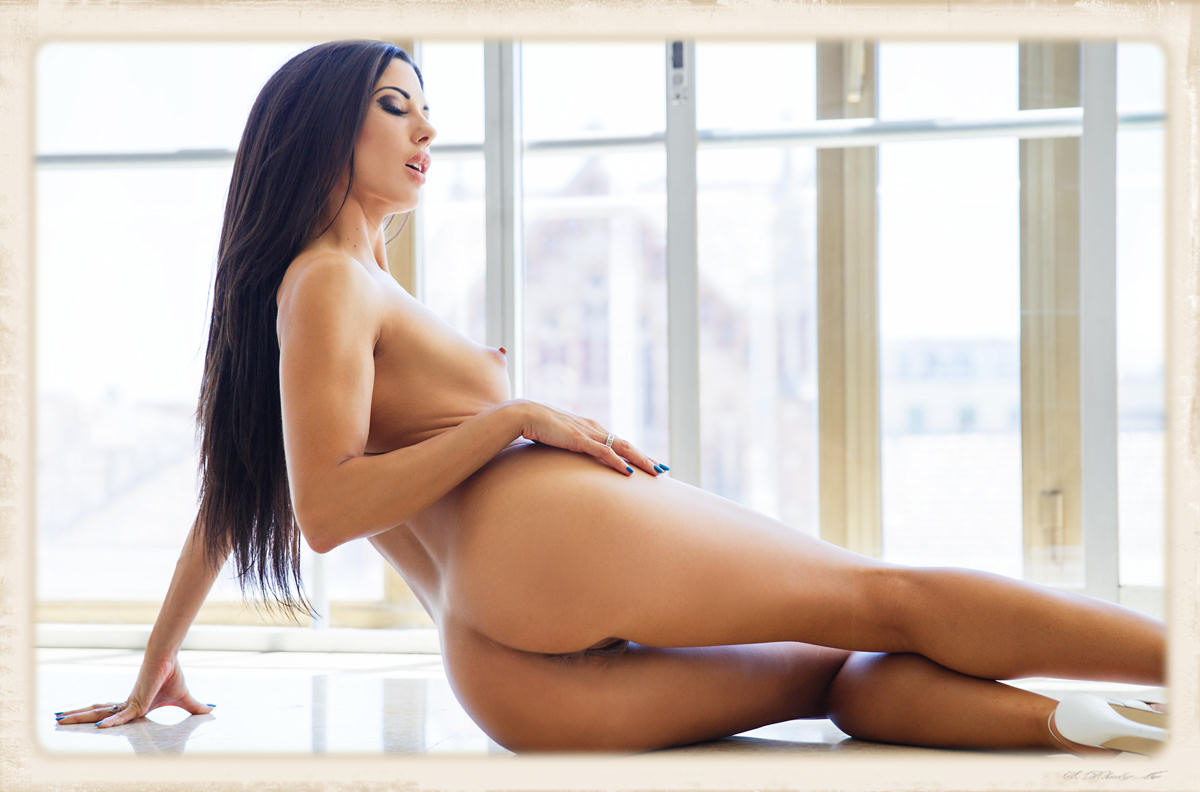 Alexa Tomas stretched out naked