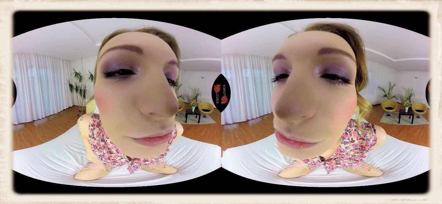 Belle Claire VR kissing
