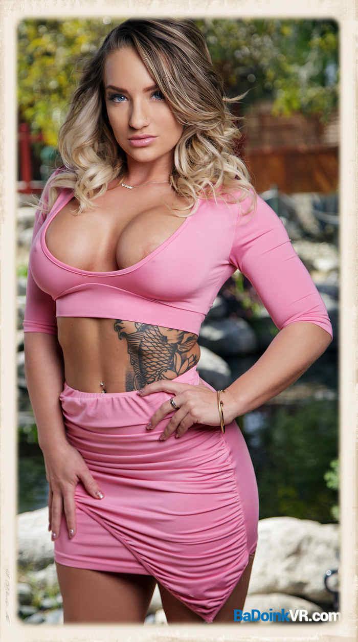 Cali Carter pink outfit